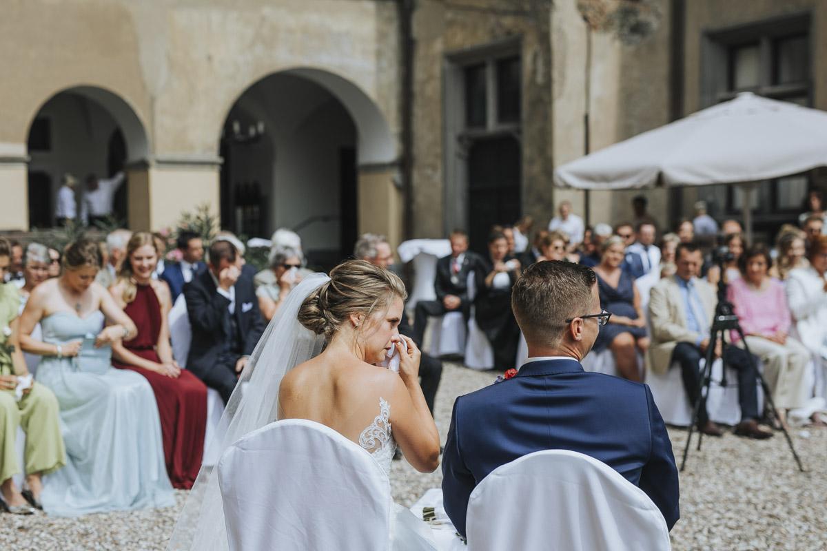 Fanny und Max | Hochzeit feiern auf Schloß Arenfels - Fotografin Guelten Hamidanoglu Fotografie Koeln FM 19 201