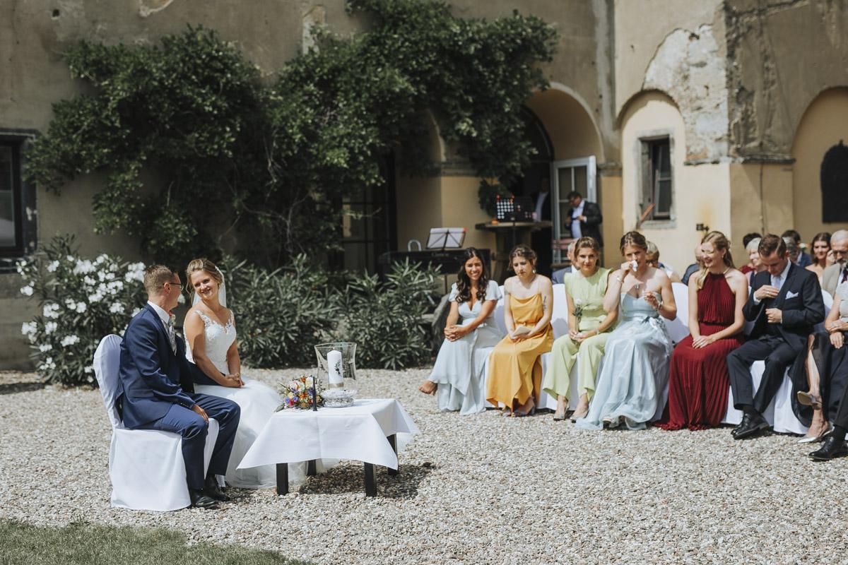 Fanny und Max | Hochzeit feiern auf Schloß Arenfels - Fotografin Guelten Hamidanoglu Fotografie Koeln FM 19 204