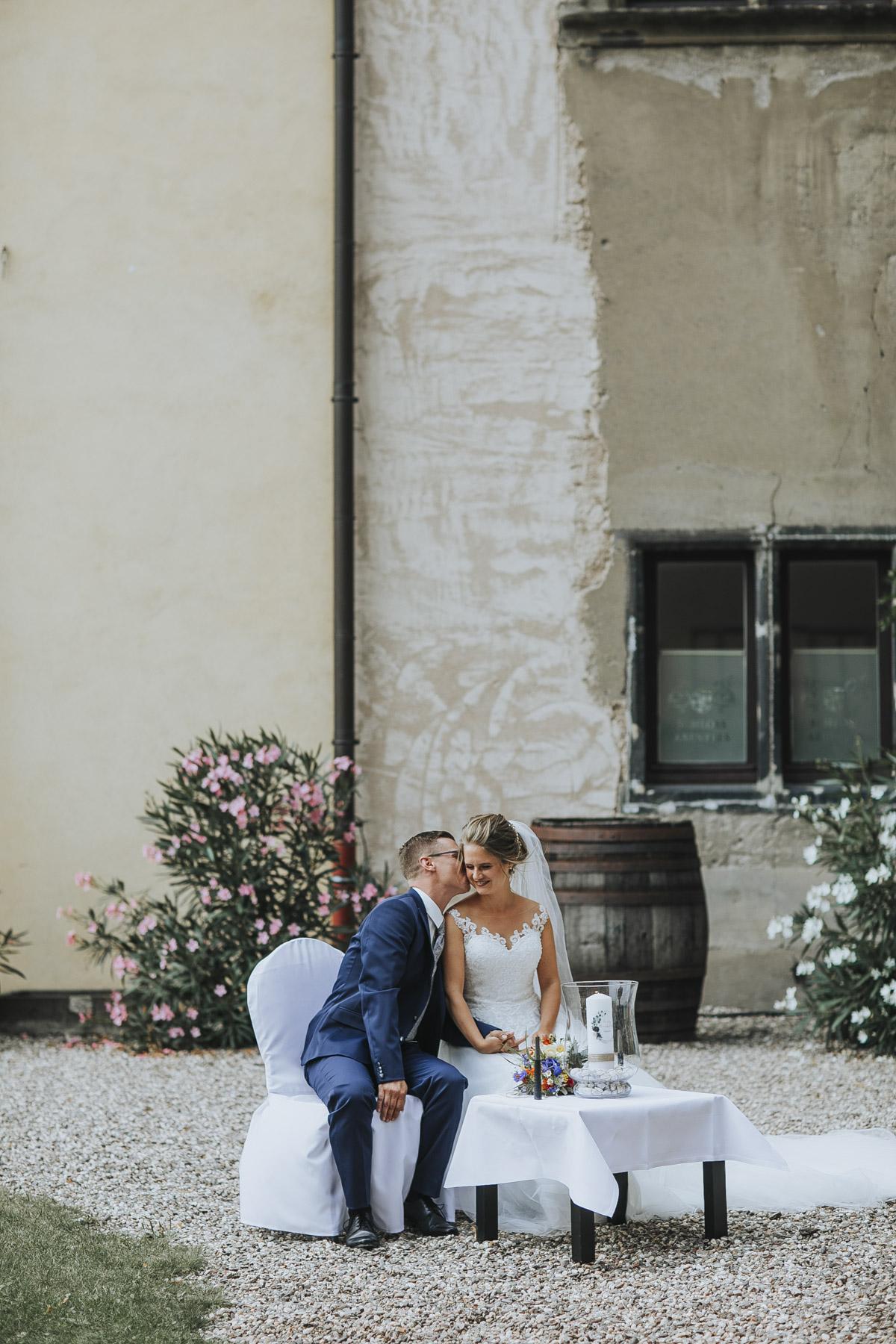 Fanny und Max | Hochzeit feiern auf Schloß Arenfels - Fotografin Guelten Hamidanoglu Fotografie Koeln FM 19 210