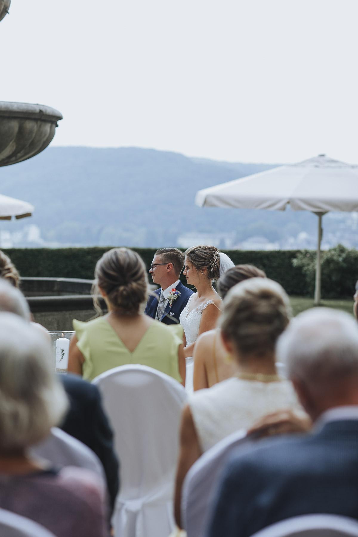 Fanny und Max | Hochzeit feiern auf Schloß Arenfels - Fotografin Guelten Hamidanoglu Fotografie Koeln FM 19 219