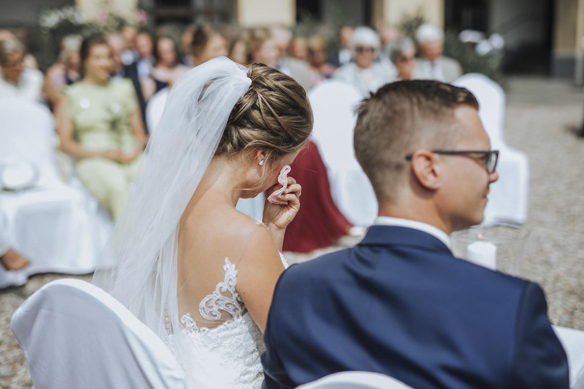 Fanny und Max | Hochzeit feiern auf Schloß Arenfels - Fotografin Guelten Hamidanoglu Fotografie Koeln FM 19 238