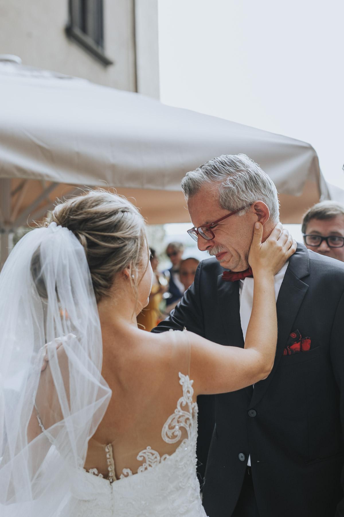 Fanny und Max | Hochzeit feiern auf Schloß Arenfels - Fotografin Guelten Hamidanoglu Fotografie Koeln FM 19 289
