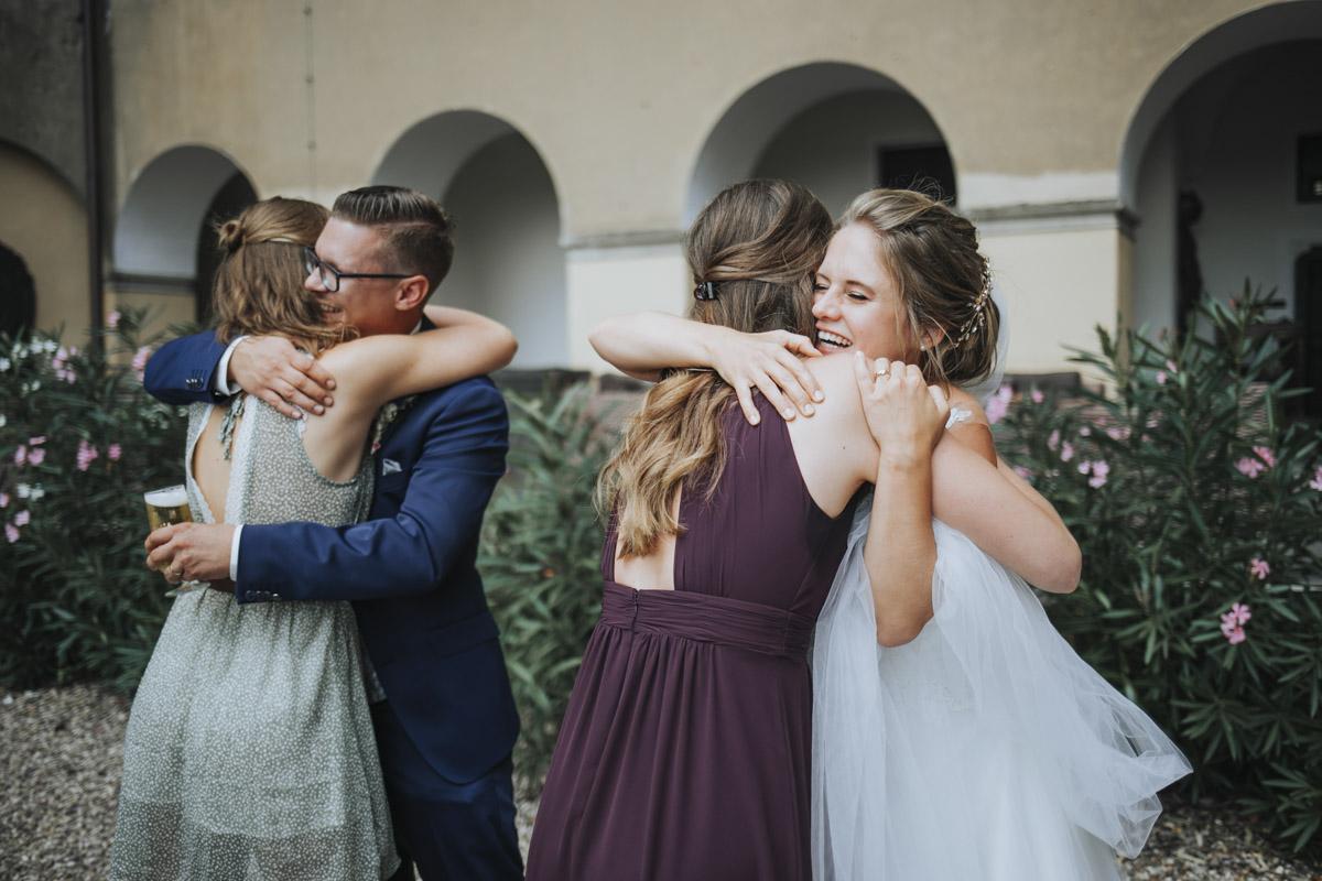 Fanny und Max | Hochzeit feiern auf Schloß Arenfels - Fotografin Guelten Hamidanoglu Fotografie Koeln FM 19 313