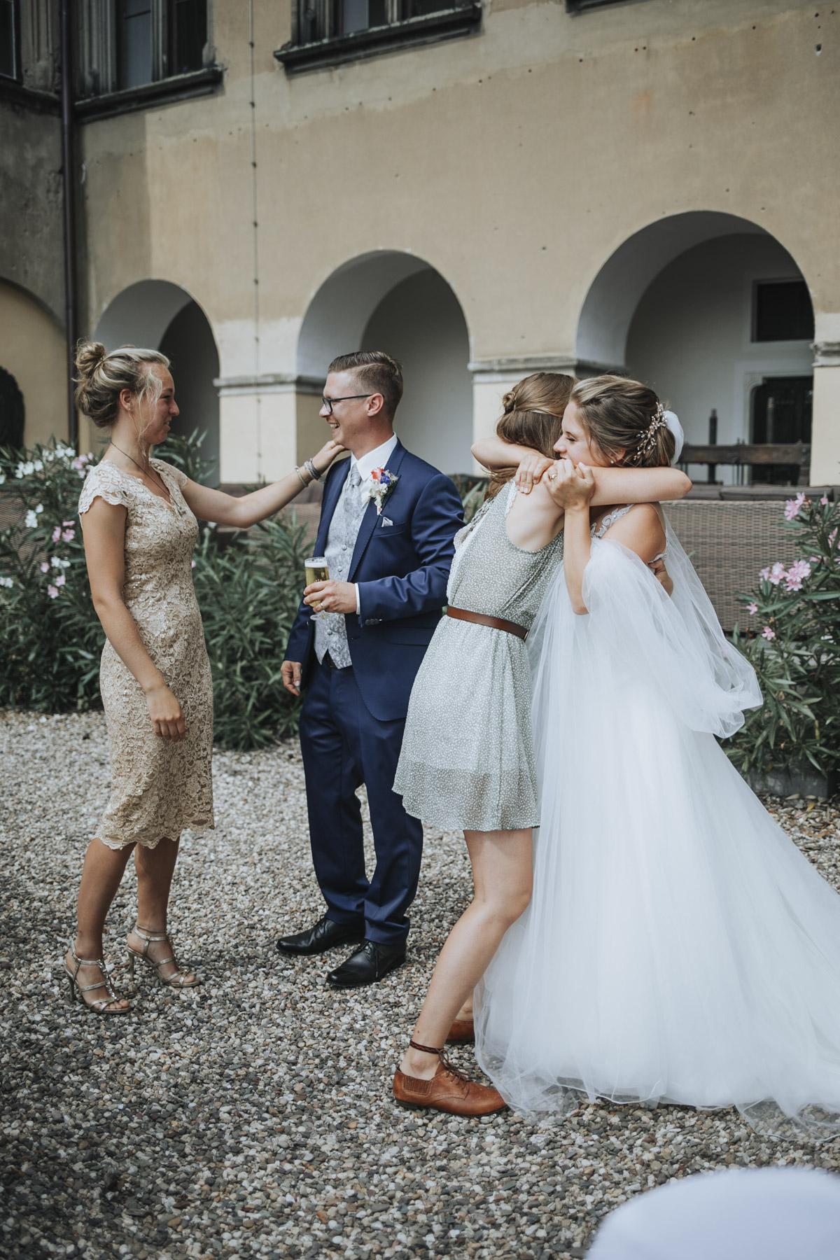 Fanny und Max | Hochzeit feiern auf Schloß Arenfels - Fotografin Guelten Hamidanoglu Fotografie Koeln FM 19 314