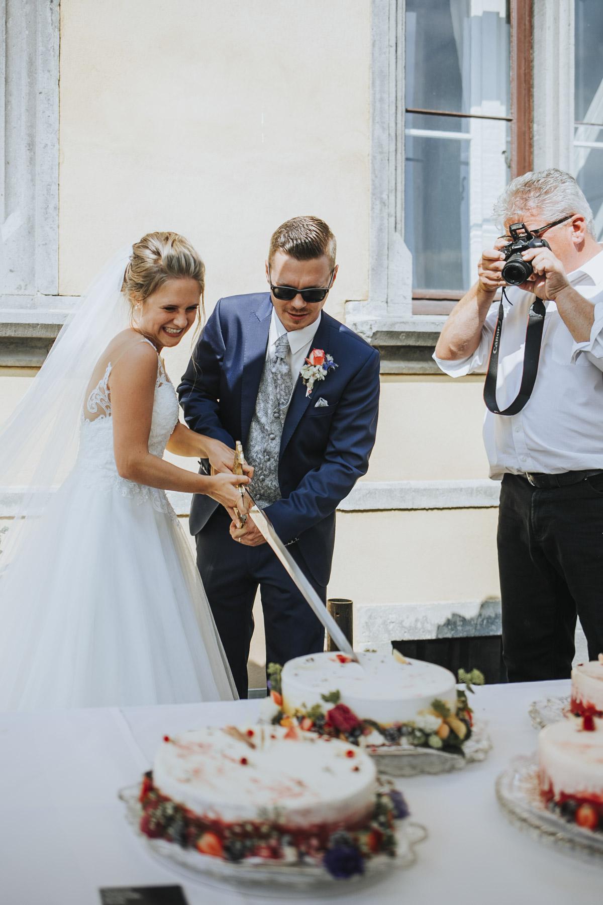 Fanny und Max | Hochzeit feiern auf Schloß Arenfels - Fotografin Guelten Hamidanoglu Fotografie Koeln FM 19 375