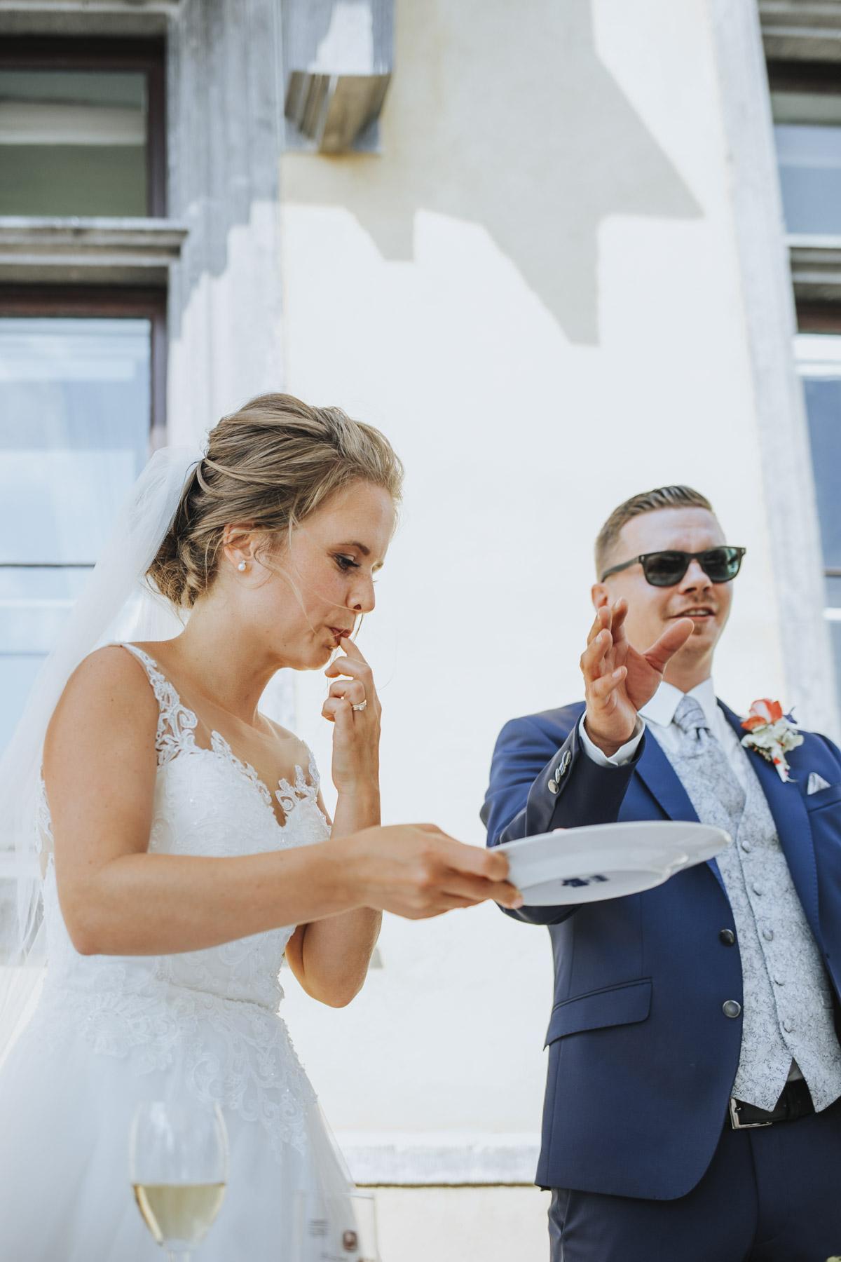 Fanny und Max | Hochzeit feiern auf Schloß Arenfels - Fotografin Guelten Hamidanoglu Fotografie Koeln FM 19 377