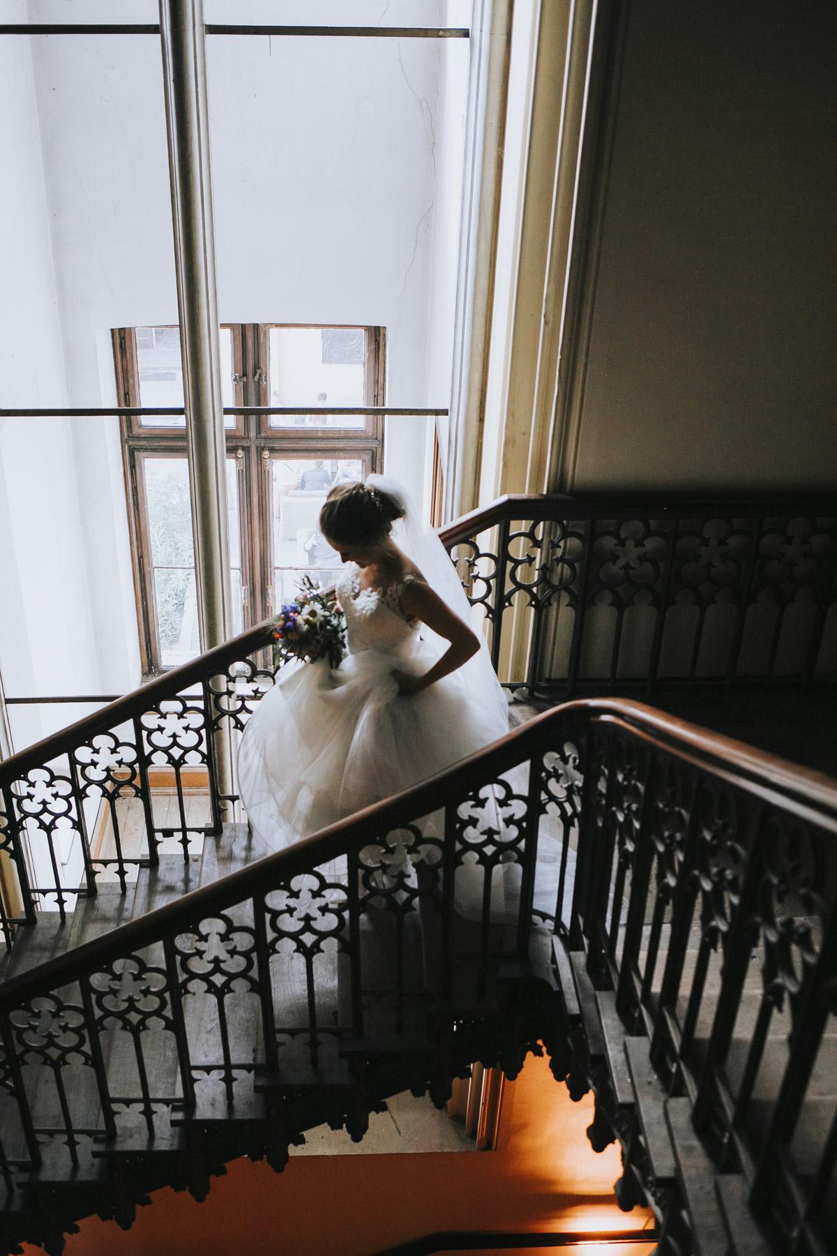 Fanny und Max | Hochzeit feiern auf Schloß Arenfels - Fotografin Guelten Hamidanoglu Fotografie Koeln FM 19 475