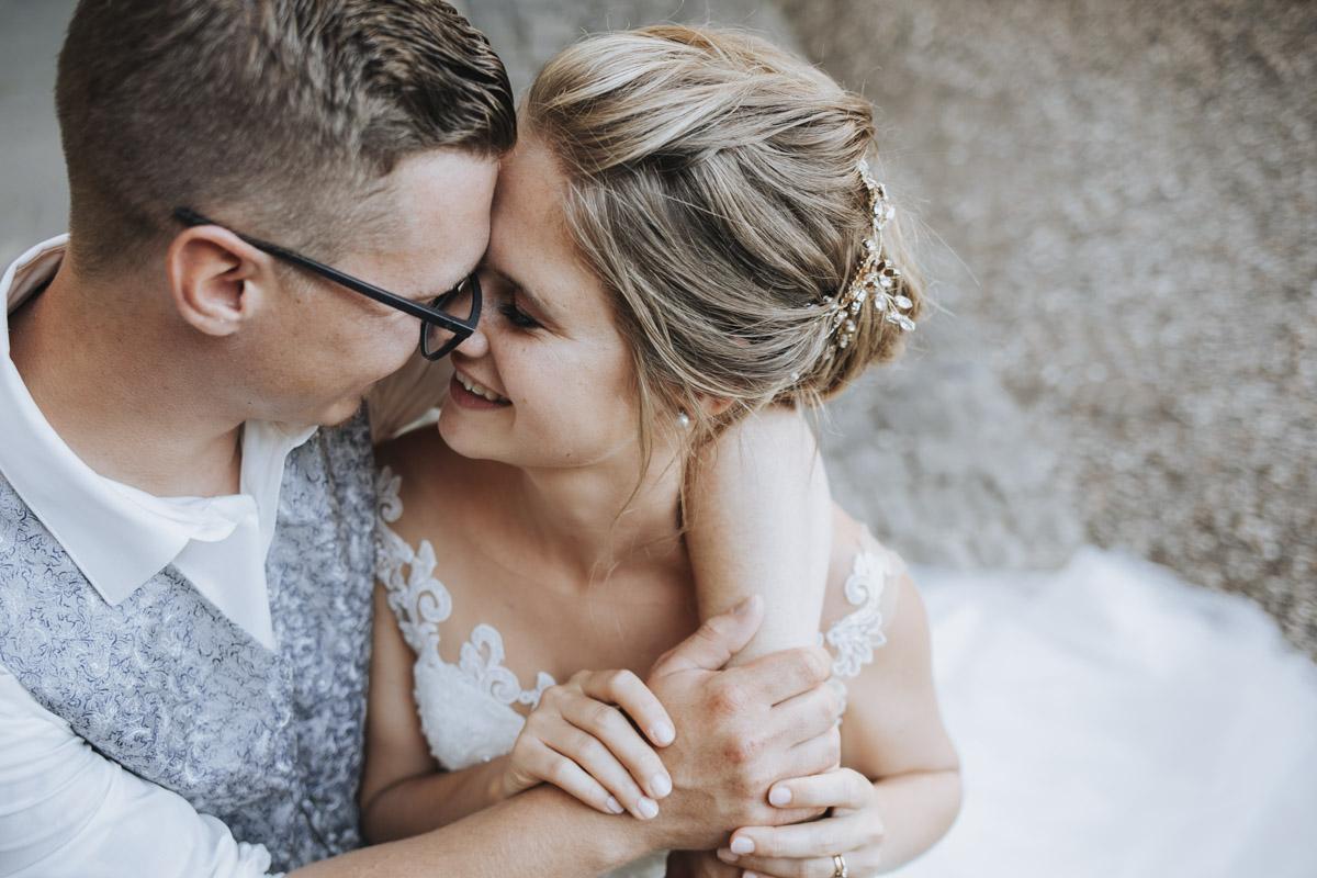 Fanny und Max | Hochzeit feiern auf Schloß Arenfels - Fotografin Guelten Hamidanoglu Fotografie Koeln FM 19 498