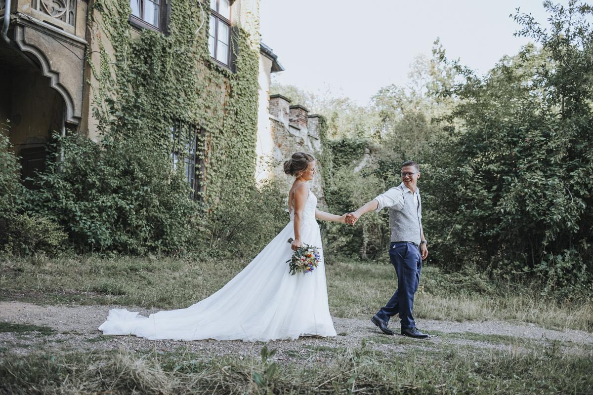 Fanny und Max | Hochzeit feiern auf Schloß Arenfels - Fotografin Guelten Hamidanoglu Fotografie Koeln FM 19 508