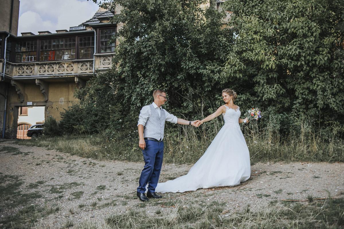 Fanny und Max | Hochzeit feiern auf Schloß Arenfels - Fotografin Guelten Hamidanoglu Fotografie Koeln FM 19 521
