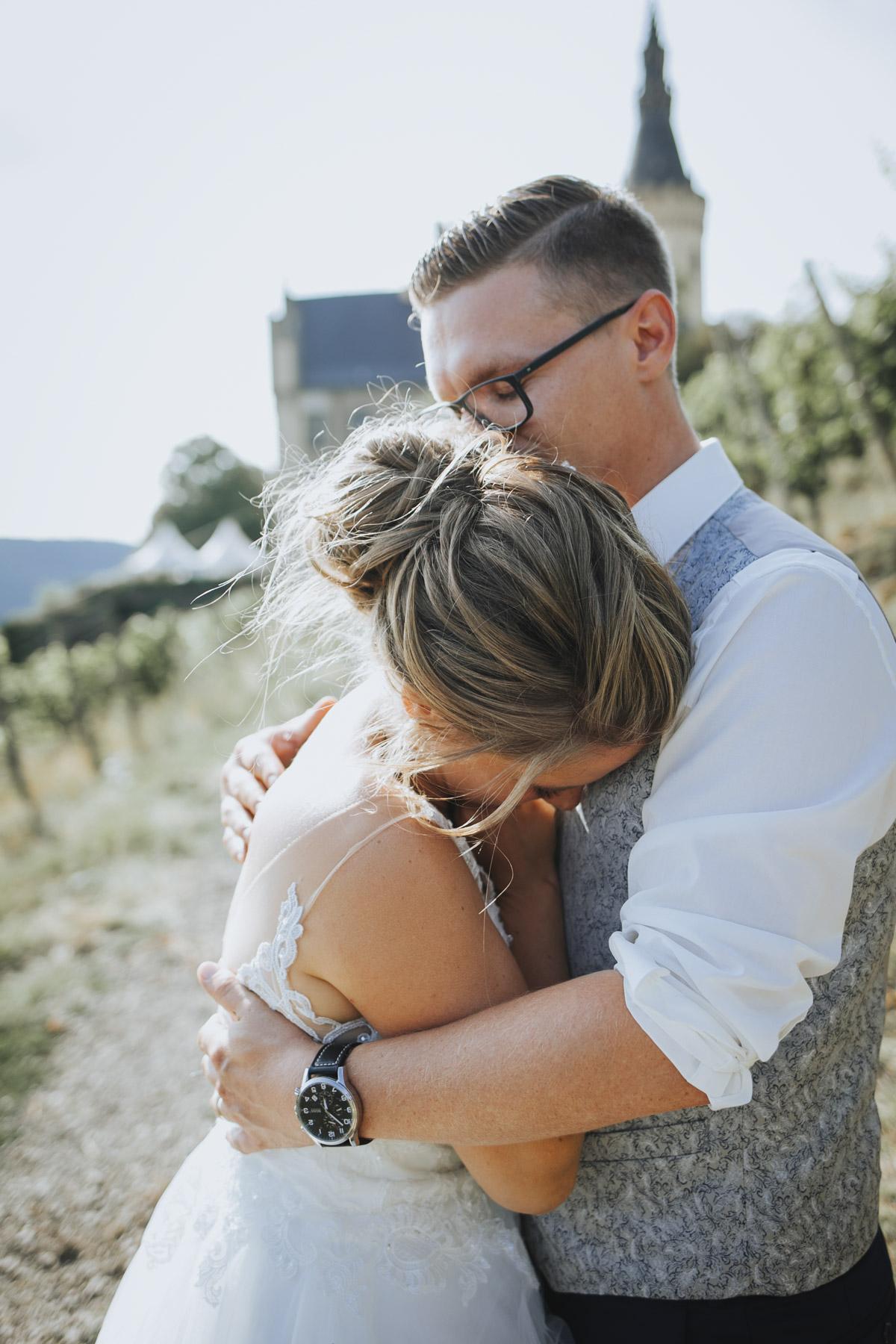 Fanny und Max | Hochzeit feiern auf Schloß Arenfels - Fotografin Guelten Hamidanoglu Fotografie Koeln FM 19 549