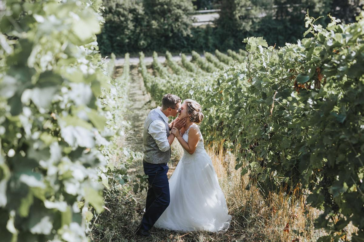 Fanny und Max | Hochzeit feiern auf Schloß Arenfels - Fotografin Guelten Hamidanoglu Fotografie Koeln FM 19 555