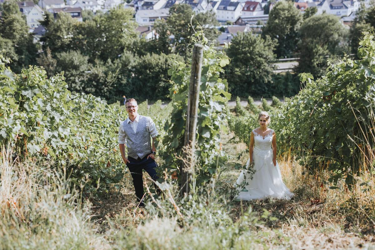 Fanny und Max | Hochzeit feiern auf Schloß Arenfels - Fotografin Guelten Hamidanoglu Fotografie Koeln FM 19 558