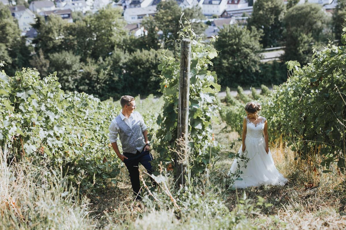 Fanny und Max | Hochzeit feiern auf Schloß Arenfels - Fotografin Guelten Hamidanoglu Fotografie Koeln FM 19 561