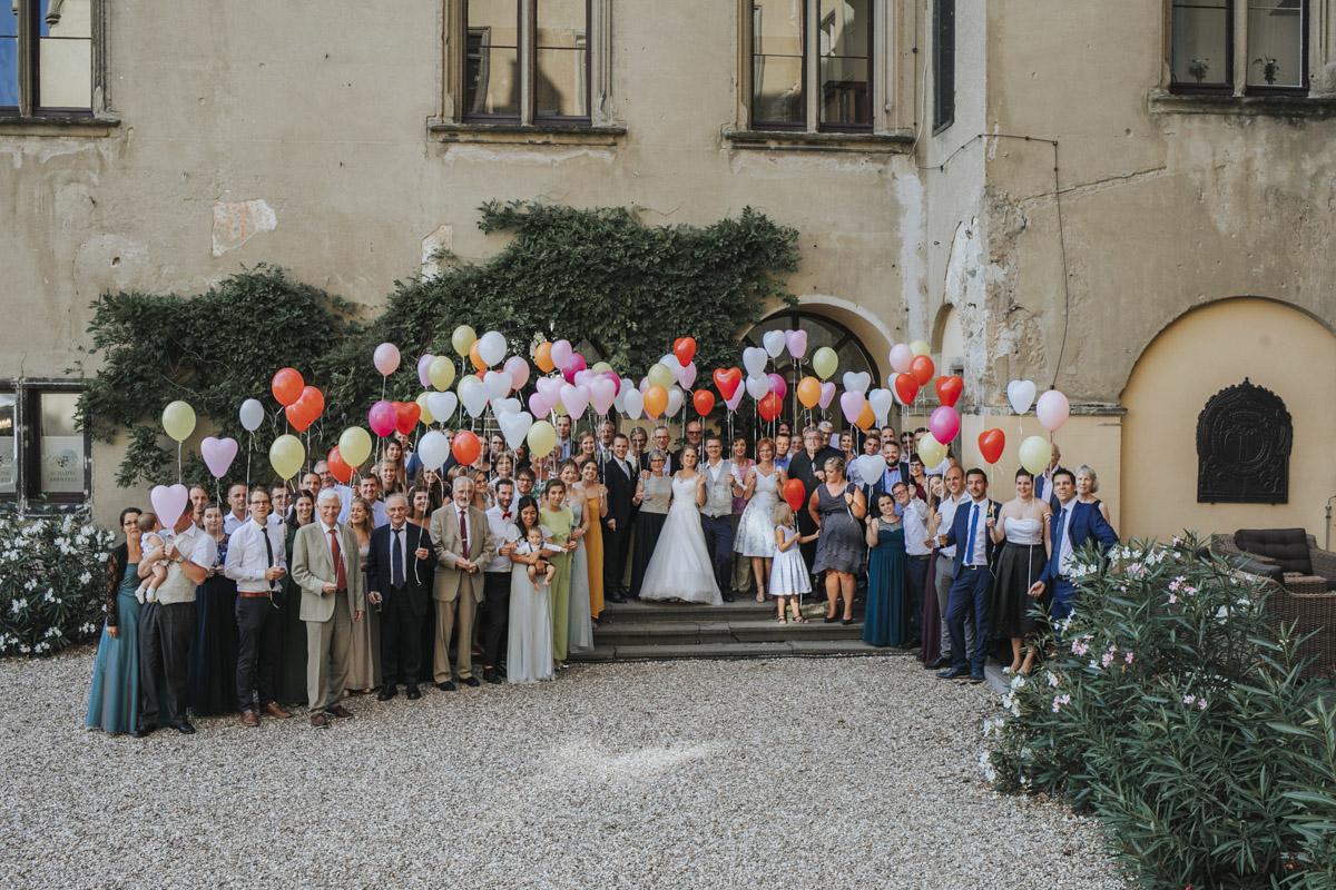 Fanny und Max | Hochzeit feiern auf Schloß Arenfels - Fotografin Guelten Hamidanoglu Fotografie Koeln FM 19 579