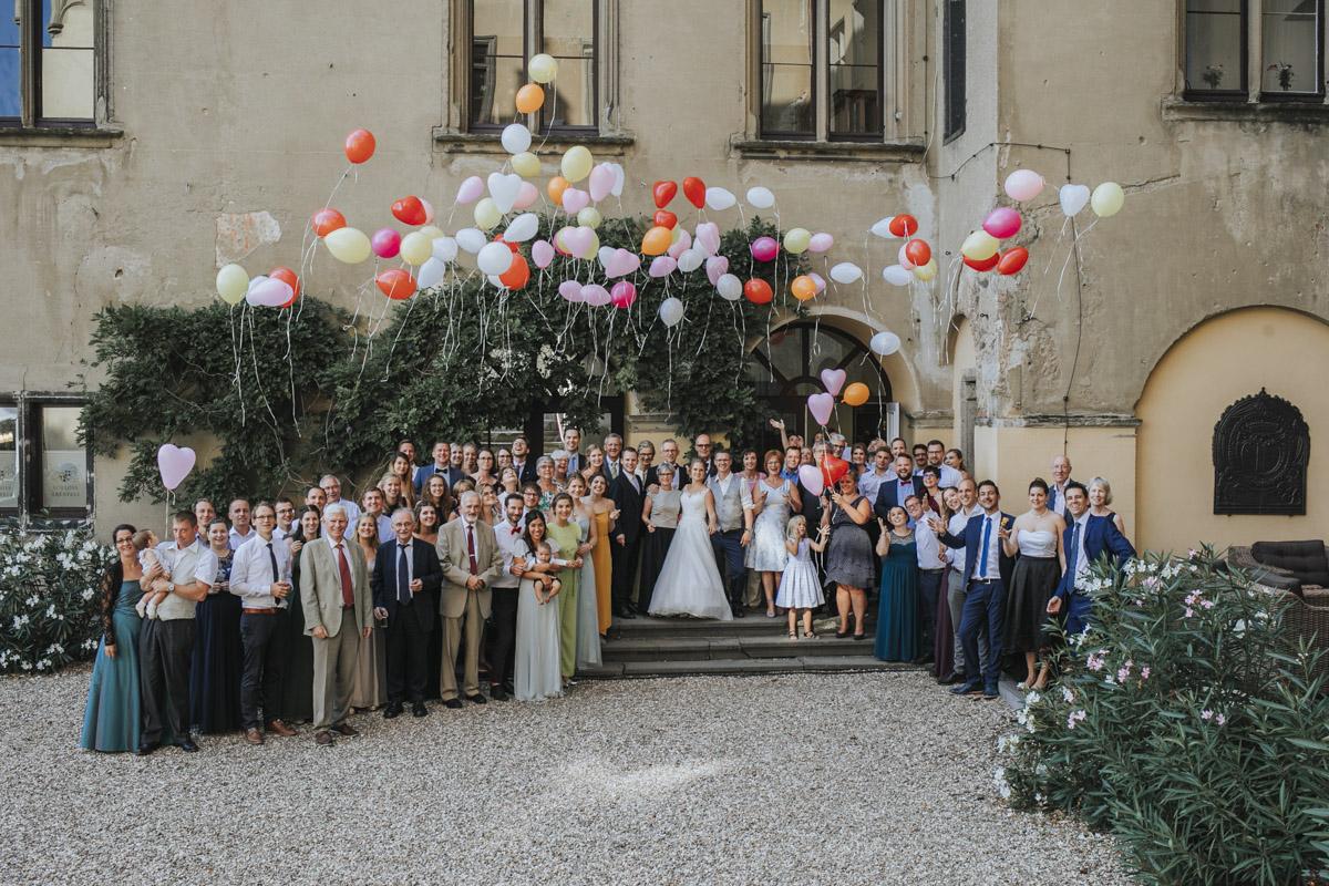 Fanny und Max | Hochzeit feiern auf Schloß Arenfels - Fotografin Guelten Hamidanoglu Fotografie Koeln FM 19 580