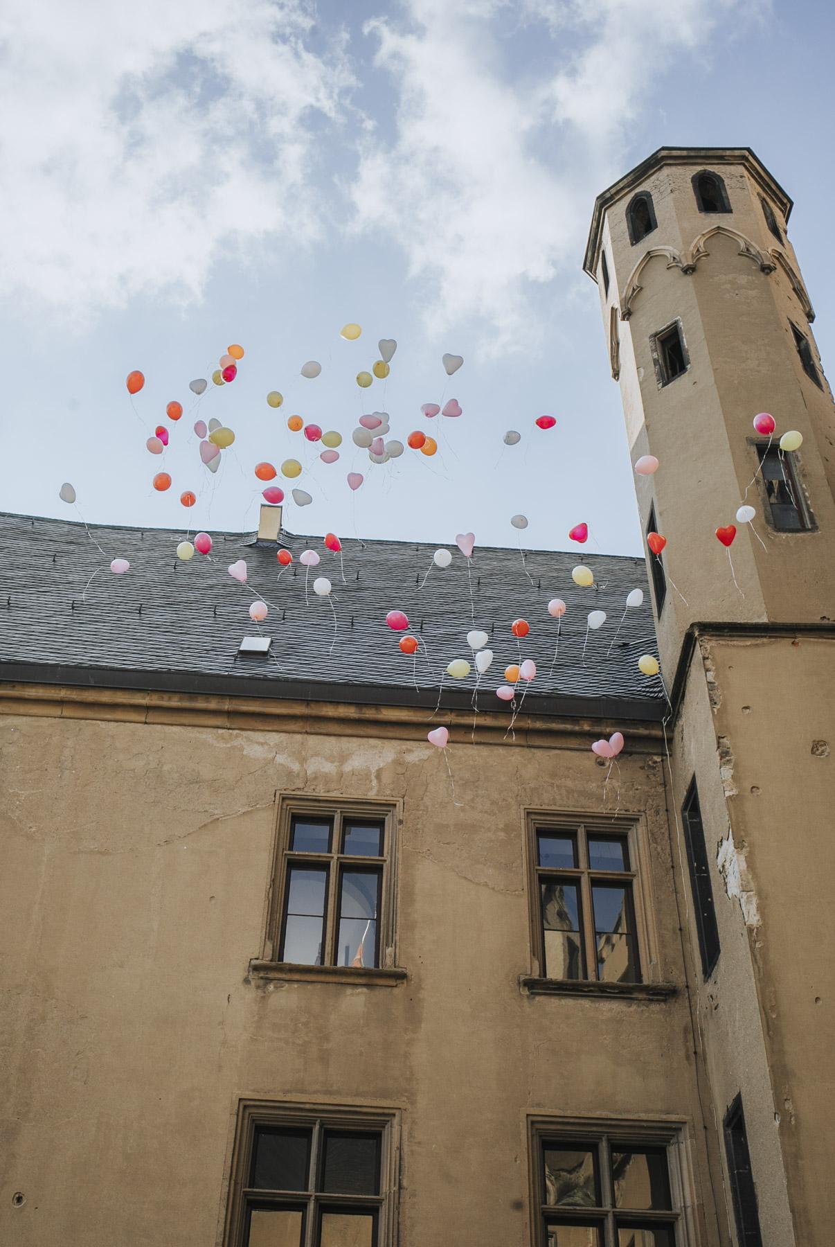 Fanny und Max | Hochzeit feiern auf Schloß Arenfels - Fotografin Guelten Hamidanoglu Fotografie Koeln FM 19 581