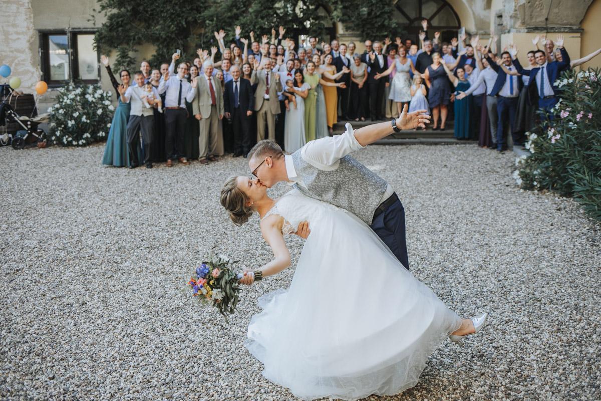 Fanny und Max | Hochzeit feiern auf Schloß Arenfels - Fotografin Guelten Hamidanoglu Fotografie Koeln FM 19 587