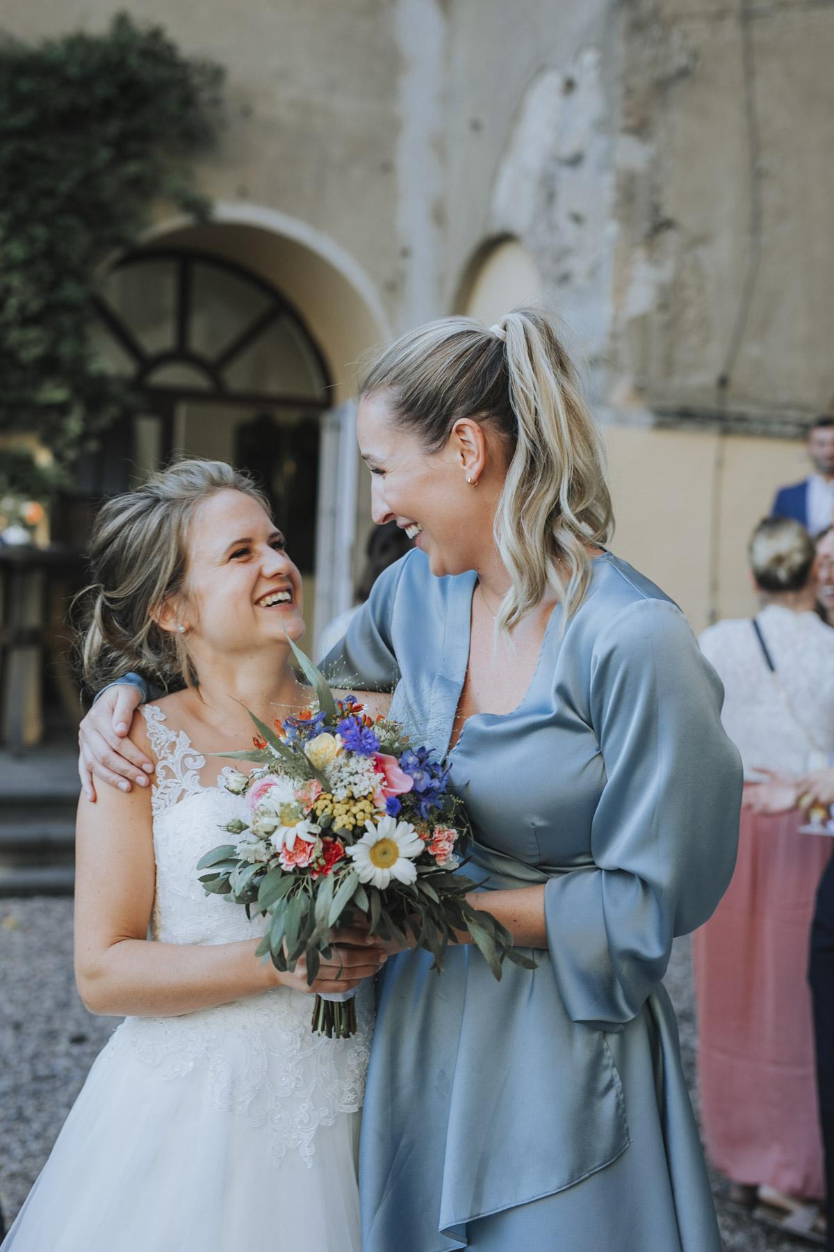 Fanny und Max | Hochzeit feiern auf Schloß Arenfels - Fotografin Guelten Hamidanoglu Fotografie Koeln FM 19 617