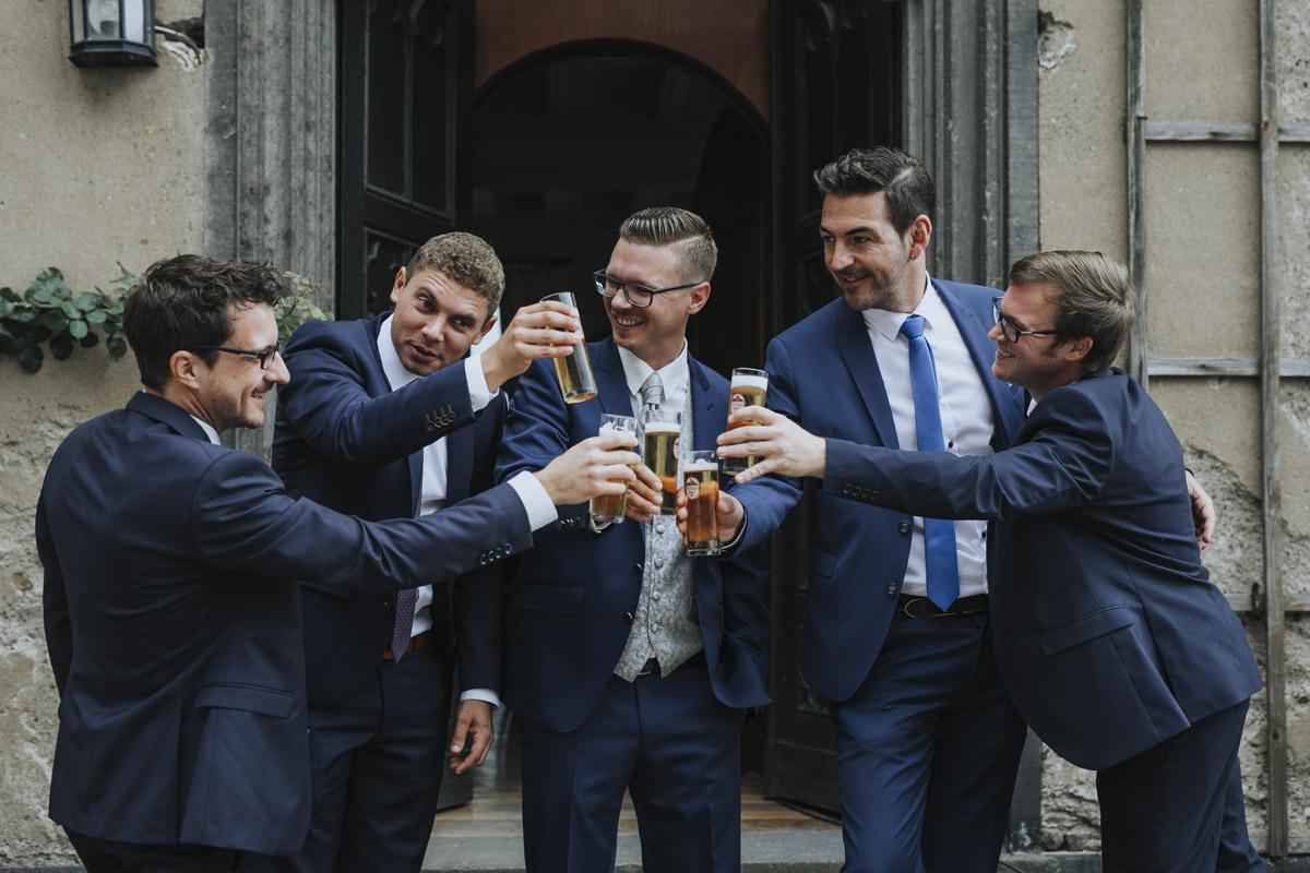 Fanny und Max | Hochzeit feiern auf Schloß Arenfels - Fotografin Guelten Hamidanoglu Fotografie Koeln FM 19 67