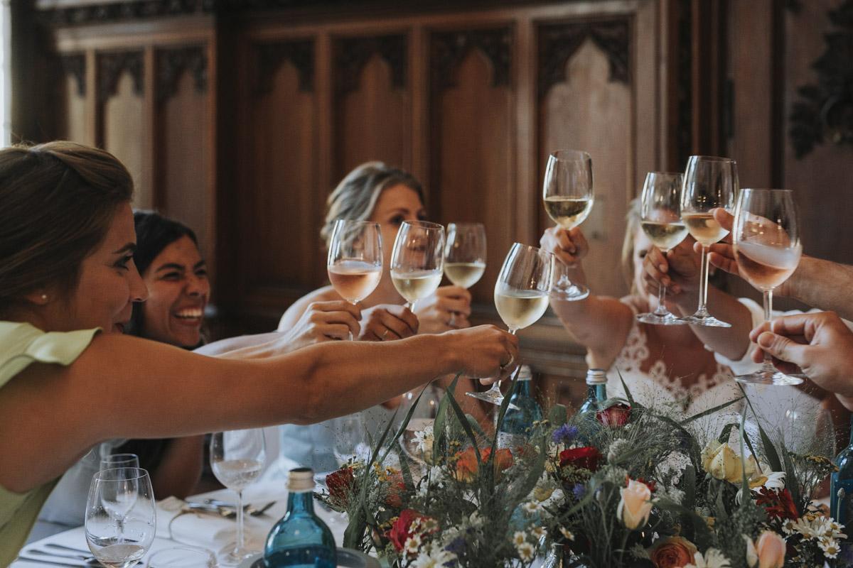 Fanny und Max | Hochzeit feiern auf Schloß Arenfels - Fotografin Guelten Hamidanoglu Fotografie Koeln FM 19 693