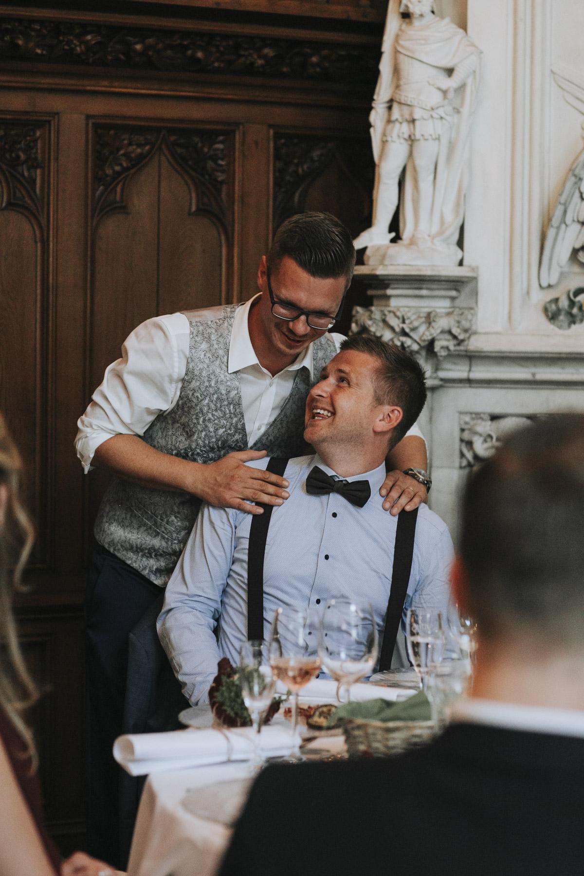 Fanny und Max | Hochzeit feiern auf Schloß Arenfels - Fotografin Guelten Hamidanoglu Fotografie Koeln FM 19 719
