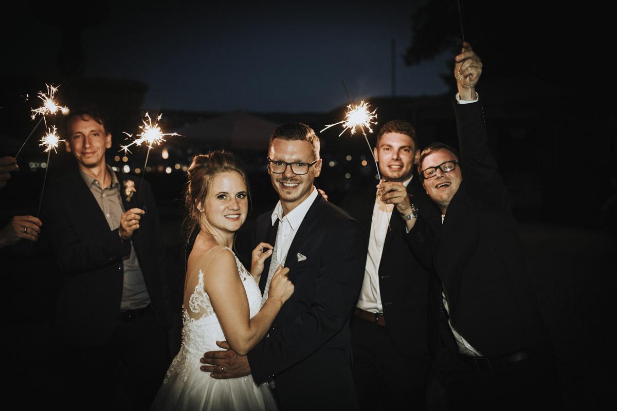 Fanny und Max | Hochzeit feiern auf Schloß Arenfels - Fotografin Guelten Hamidanoglu Fotografie Koeln FM 19 774