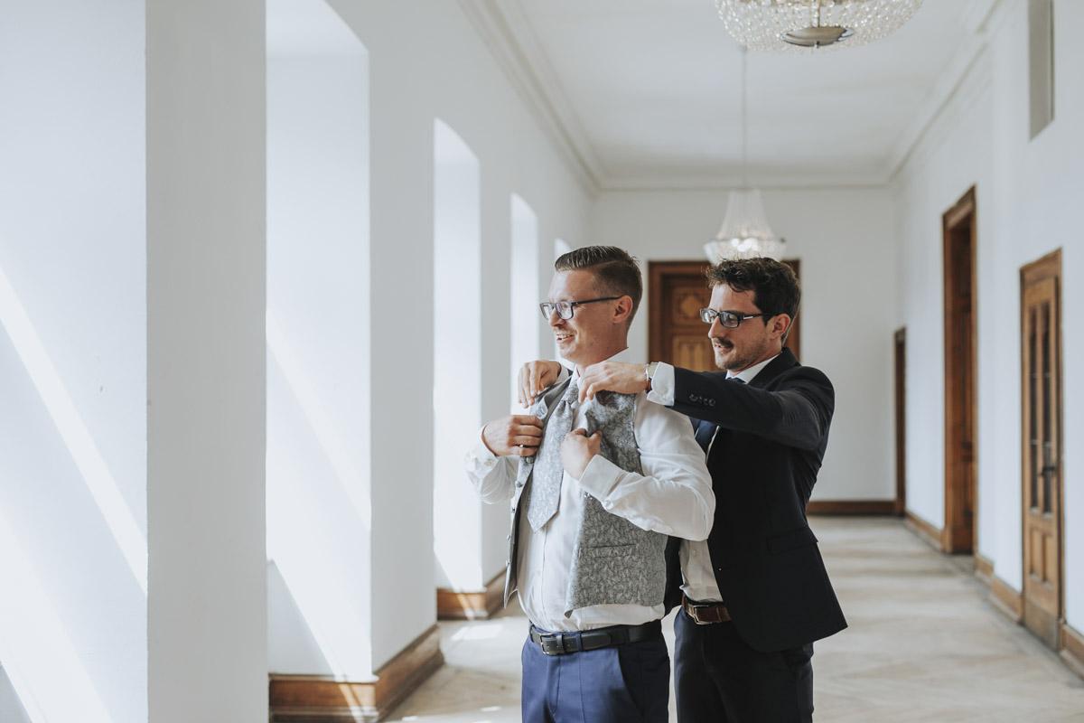 Fanny und Max | Hochzeit feiern auf Schloß Arenfels - Fotografin Guelten Hamidanoglu Fotografie Koeln FM 19 79