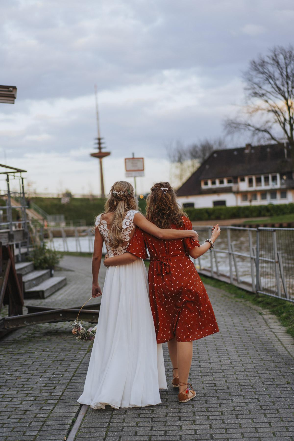 Simone und Simon | Industriehochzeit in Münster im Escape - Fotografin Guelten Hamidanoglu Fotografie  Köln SI 19 02533